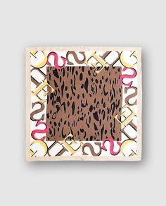 Pañuelo de seda animal print
