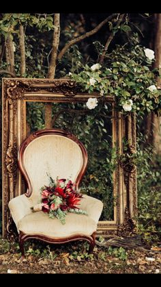 Loved styling this for my nieces wedding. Perfect backdrop for her lovely bouqu Loved styling this for my nieces wedding. Perfect backdrop for her lovely bouqu. Garden Wedding, Boho Wedding, Fall Wedding, Rustic Wedding, Dream Wedding, Wedding Venues, Wedding Photos, Vintage Frames, Marie
