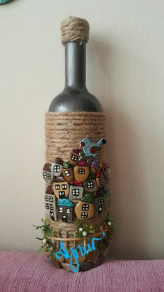 Wonderful DIY decoration ideas with painted pebbles - Wonderful DIY decoration . - My Pins - Wonderful DIY decoration ideas with painted pebbles – Wonderful DIY decoration ideas with painte - Stone Crafts, Rock Crafts, Diy Home Crafts, Pebble Painting, Pebble Art, Stone Painting, Glass Bottle Crafts, Bottle Art, Glass Bottles