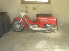 Jawa 50 typ 20 Classic Bikes, Photo Galleries, Motorcycle, Gallery, Vehicles, Motorbikes, Roof Rack, Biking, Motorcycles