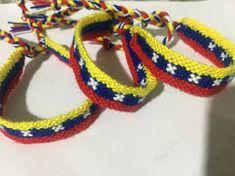 pulseras en mostacilla de venezuela - Buscar con Google Friendship Bracelets, Macrame, Crafts, Jewelry, Google, Gastronomia, Bracelets, Venezuela, Hair Bows