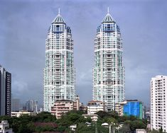 When you see this You are close to Mahalaxmi Station. The 'Twin Tower of Mumbai' and famous landmark. 'The Imperial' <3