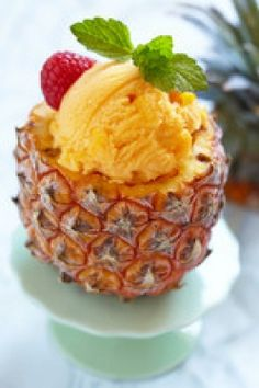 Easy Pineapple Sorbet Time to take advantage of all of the amazing fresh fruit… Köstliche Desserts, Frozen Desserts, Delicious Desserts, Dessert Recipes, Yummy Food, Thermomix Desserts, Pineapple Ice Cream, Pineapple Sorbet, Jars