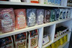 nowe miejsce na mapie Warszawy. Warto odwiedzić sklep. Food News, New Recipes, Mugs, Tableware, Dinnerware, Cups, Dishes, Mug, Tumbler