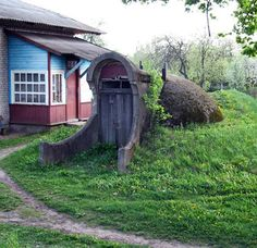 There are some absolutely stunning root cellar design and decorating ideas on this site.