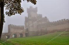 Rocca degli Alberi, una delle porte della città murata di Montagnana, in provincia di Padova! #EduPadova http://sphimmtrip.blogspot.com/2013/11/montagnana-un-viaggio-tra-alte-mura-e-intensi-sapori-padova.html