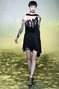 Rodarte Spring 2010 Ready-to-Wear Fashion Show - Ranya Mordanova