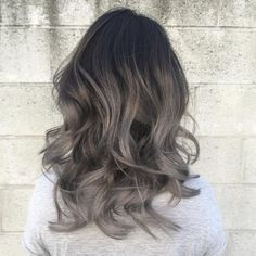 70 Elegant Styles For Long Layered Hair - Try Out Promptly