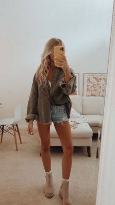 Cute Summer Outfits, Cute Casual Outfits, Spring Outfits, Winter Shorts Outfits, Outfit Summer, Summer Shorts, Short Outfits, Simple Outfits, Spring Summer Fashion