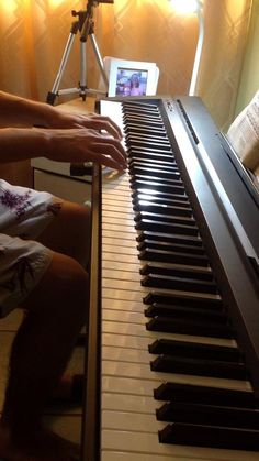 Flash Musical, Piano Cover, Music Things, Cover Songs, Fox, Pink, Instagram, Music Pictures, Piano Songs