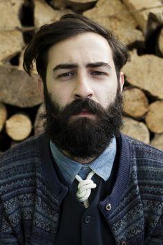 Double cardigan, denim shirt, knot tie - F/W 2012 - Atelier de l'Armée Lazy Fashion, Gents Fashion, Beard No Mustache, Moustache, Hairy Men, Bearded Men, Mens Facial, Medium Brown Hair, Perfect Beard