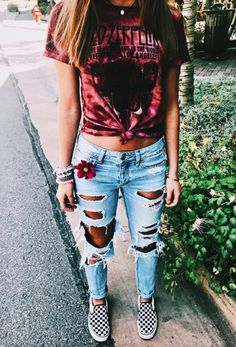 CUTE summer outfit with ripped jeans and a tie dye tee! | Summer Fashion for Women and Teen Girls