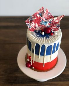 Grab and go cakes are stocked for Memorial Day weekend! Fourth Of July Cakes, 4th Of July Desserts, French Desserts, Blue Birthday Cakes, July Birthday, Blue Drip Cake, Memorial Day Desserts, First Communion Cakes, Paris Cakes