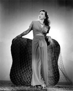 Marguerite Chapman 1945, photo by Ned Scott