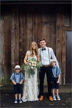 Ravishing rustic wedding for under 8K. Captured By: Bethany Small Photography #weddingchicks http://www.weddingchicks.com/2014/08/20/ravishing-rustic-wedding/