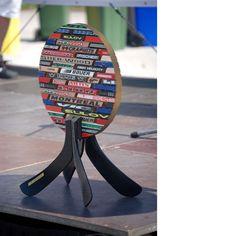 Trophy - made of used hockey sticks Hockey Sticks, Decorative Objects, Home Decor, Room Decor, Ice Hockey Sticks, Home Interior Design, Field Hockey Sticks, Home Decoration, Interior Decorating