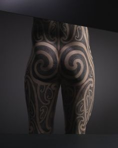 Tattooists, Tattoed, a new exhibition at the Musée du Quai Branly, Paris' museum of indigenous arts, is a survey of the tattoo as global art form. Leg Tattoos, Tribal Tattoos, Tattoos For Guys, Cool Tattoos, Tatoos, Maori Designs, Tattoo Designs, Ta Moko Tattoo, Henna