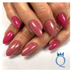 #almondnails #gelnails #nails #pink #mermaidpigment #mandelform #gelnägel #nägel #pink #meerjungfrauenpigment #nagelstudio #möhlin #nailqueen_janine