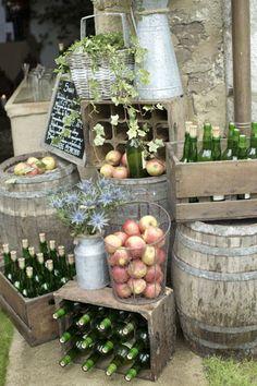 #BodasConEstilo #Asturias #Cocktail #Tipico #Sidra #Bodas Engagement Party Decorations, Wedding Themes, Wedding Styles, Wedding Ideas, Catering Display, I Do Bbq, Party Food And Drinks, Outdoor Wedding Venues, Al Fresco Dining