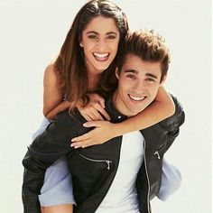 J'aime tellement cette photo 😍😍❤️ tini jorge leon violetta leonetta amor amour real vilu always remember dreams tini jorge leon violetta leonetta amor amour real vilu always remember dreams Violetta And Leon, Disney Shows, I Don T Know, Series Movies, Couple Photography, Celebrity News, Celebrity Couples, Couple Goals, Cute Couples