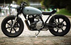 CaferacerMagazine XS400 iBlacKz Motorcycle Urban Tracker Caferacer Scrambler Yamaha