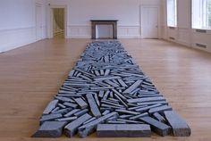 Richard Long: STONE LINE (1980) SCOTTISH NATIONAL GALLERY OF MODERN ARTEDINBURGH 2007