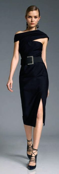 Donna Karan always designing sexy for women of a certain age. She is so creative in covering places, that may need to be coverd Lace Dresses, Short Dresses, Casual Dresses, Wedding Dresses, Dress Skirt, Dress Up, Prom Dress, High Fashion, Womens Fashion