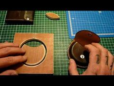 Leather Gifts, Leather Craft, Leather Keychain, Leather Wallet, Bookbinding Tools, Leather Bag Tutorial, Craft Projects, Sewing Projects, Decorating Flip Flops