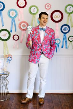 Kentucky Derby Party Guide: Just because you're watching the races from your living room doesn't mean you can't step up your style for the occasion. Choose something striking and seasonal — bright and cheery spring pastels are your best bet. Derby Time, Derby Day, Horse Racing Party, Ribbon Backdrop, Party Deco, Kentucky Derby Hats, Kentucky Derby Party Ideas, Kentucky Derby Fashion, Run For The Roses