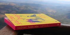 """""""Uma obra tão viva e real, que mais parece ter sido vivida por Valter Hugo Mãe, um escritor que é capaz de convidar o leitor a entrar na narrativa, sentindo-a, vendo cada espaço nela descrito e vivendo a história como se fosse sua. Nesta obra, 5 sentidos é pouco para quem tanto a sente."""""""