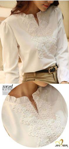 Very pretty blouse Blouse Styles, Blouse Designs, Hijab Fashion, Fashion Outfits, Womens Fashion, Gilet Long, Fashion Details, Fashion Design, Chiffon Shirt