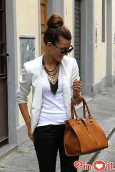 casual business women best outfits - Find more ideas at business-casualforwomen.com