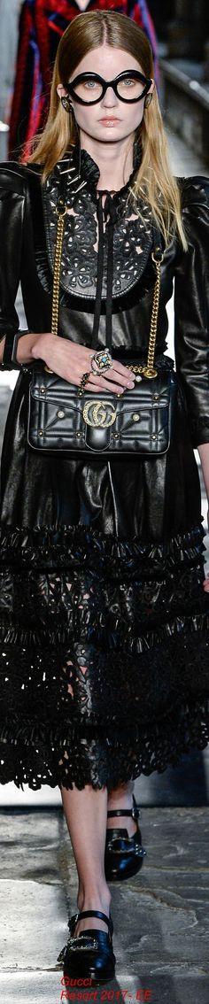Gucci Resort 2017 Fashion Show Gucci Fashion, Fashion 2017, Fashion Show, Fashion Outfits, Elite Fashion, Male Fashion, Leather Fashion, Fashion News, Resort 2017