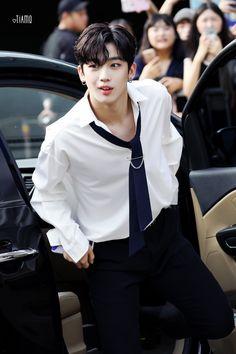 Yohan Kim, Kim Song, Beautiful Arabic Words, Bts And Exo, Golden Child, Korean Men, Asian Boys, Kpop Boy, Boyfriend Material