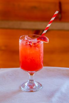 Our favorite Summer cocktail recipe is on the blog today!