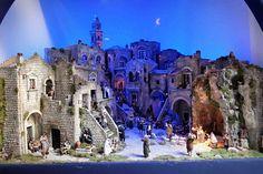 Milano, Natale in Comune con il presepe Monumentale dei Sassi di Matera