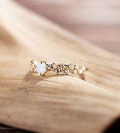 Ruby Engagement Ring Vintage, Quartz Engagement Ring, Art Deco Diamond Rings, Art Deco Ring, Art Deco Wedding Rings, Vintage Diamond, Yellow Gold Rings, Moonstone Ring, Moissanite