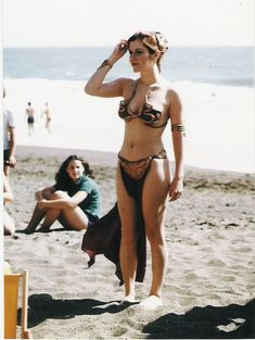 Carrie Fisher on set of Return of the Jedi - Imgur