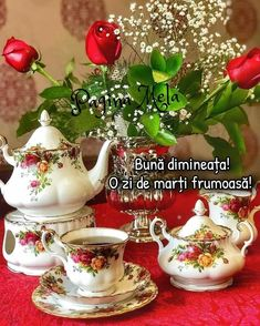 Coffee Flower, Chocolate Coffee, Messages, Tea Pots, Logo Design, Tableware, Videos, Beautiful, Decorating Cups