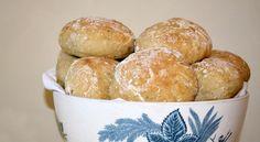 The secret behind super soft Angel Rolls is moist dough. Bread Bun, Scandinavian Kitchen, Pretzel Bites, Muffin, Rolls, Tasty, Cooking, Breakfast, Recipes