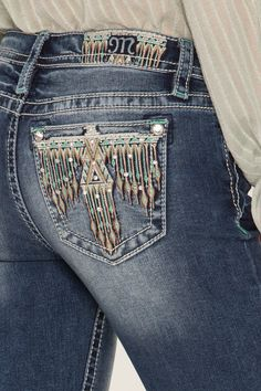 Looking to add a new pair of bootcut jeans to your wardrobe? Shop our Head Of The Tribe Bootcut Jeans for the perfect way to show off your fashion sense along with other must have pieces now at Miss Me! Cowgirl Outfits, Western Outfits, Western Wear, Cowgirl Hats, Western Style, Country Style, Tribal Fashion, Denim Fashion, Miss Me Jeans Buckle