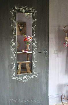 Creative spiegel Het Moonhuis