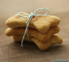 Simple Dog Biscuits on the BBS Healthy #Dog Blog via @Amy Lea The Blond Cook! Click for full #recipe!