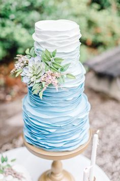 crazy wedding cakes Southern Traditions: Dusty Blue Wedding Styled Shoot at Magnolia Plantation Palmetto State Weddings - Crazy Wedding Cakes, Summer Wedding Cakes, Amazing Wedding Cakes, Blue Wedding Cakes, Spring Wedding, Pastel Blue Wedding, Blue Beach Wedding, Cake Wedding, Wedding White