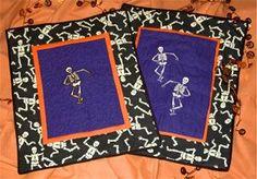 Skeleton Mini-Quilt #halloween #sewing