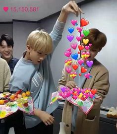 New memes kpop sem legenda stray kids ideas Funny Kpop Memes, Kid Memes, Dad Jokes, Heart Meme, Cute Love Memes, Jisung Nct, Mark Lee, Wholesome Memes, Meme Faces
