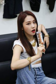 Gayoon South Korean Girls, Korean Girl Groups, Korean Bands, Korean Music, Asian Girl, Asian Ladies, Daniel Wellington, Kpop Girls, Idol