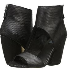 """MIA LIMITED EDITION MLE Booties 8 NIB These gorgeous MIA booties are MIA LIMITED EDITION (MLE) and retail for $189-Get them for $100+ off from my closet! Black leather upper with suede overlay, leather lining, slightly cushioned leather footbed, wrapped heel, 4"""" heel. Size 8, NIB MIA Shoes"""