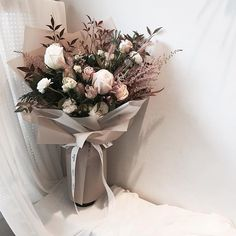 . Lesson Order Katalk ID vaness52 E-mail vanessflower@naver.com . #vanessflower #vaness #flower #florist #flowershop #handtied #flowergram #flowerlesson #flowerclass #바네스 #플라워 #바네스플라워 #플라워카페 #플로리스트 #꽃다발 #부케 #원데이클래스 #플로리스트학원 #화훼장식기능사 #플라워레슨 #플라워아카데미 #꽃수업 #꽃주문 #부케 #花 #花艺师 . . 오늘 창업반수업중 만든 꽃다발  . . 12월 개강 창업반  금요일 6:30pm 모집중 (공석4) . . 문의 카톡ID vaness52