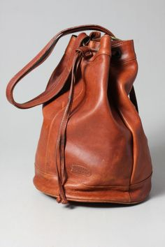 gorgeous leather vintage bag @ilovevintage.com
